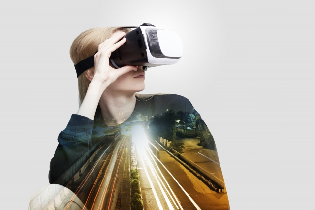 ニューノーマル時代の新サービス「非接触決済・VR会議」